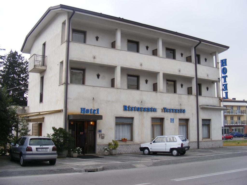 Hotel Ristorante Alla Terrazza(在露台餐厅酒店)