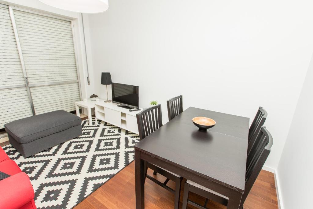 Apartamento loveporto faria guimar es porto portugal - Booking oporto apartamentos ...