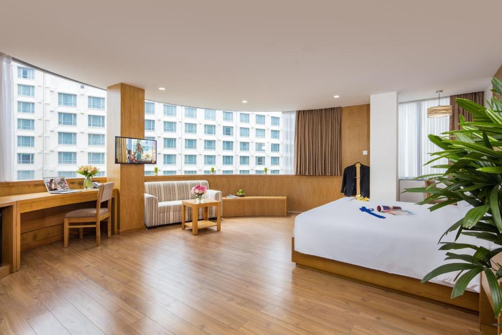Suite Paradise Với Ban Công Và Bể Sục