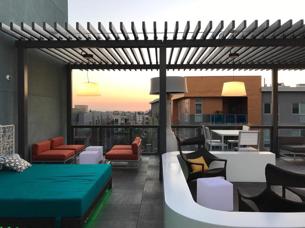 Apartment executive penthouse lofts los angeles ca for Penthouse apartment los angeles