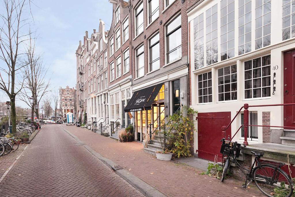 Apartment Jordaan Canal View, Amsterdam, Netherlands ...