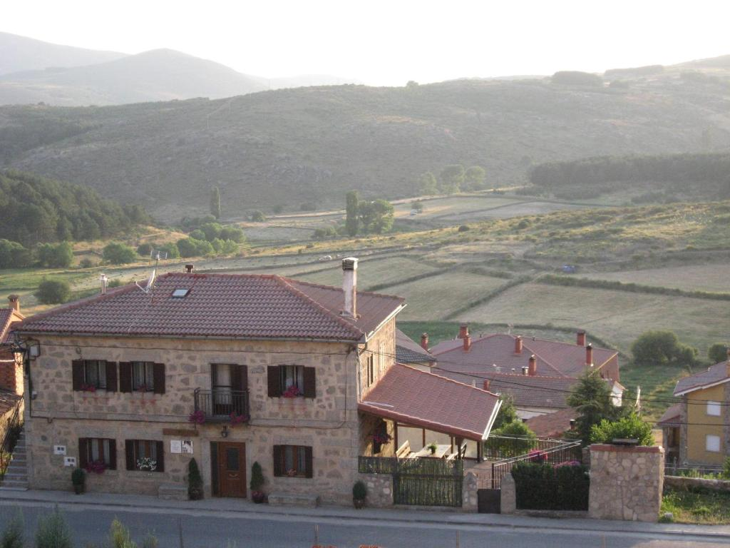 Holiday Home La Asomailla (España Hoyos del Espino ...