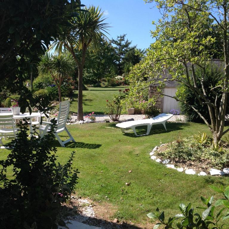 Au jardin d 39 etaville sottevast for Au jardin guesthouse