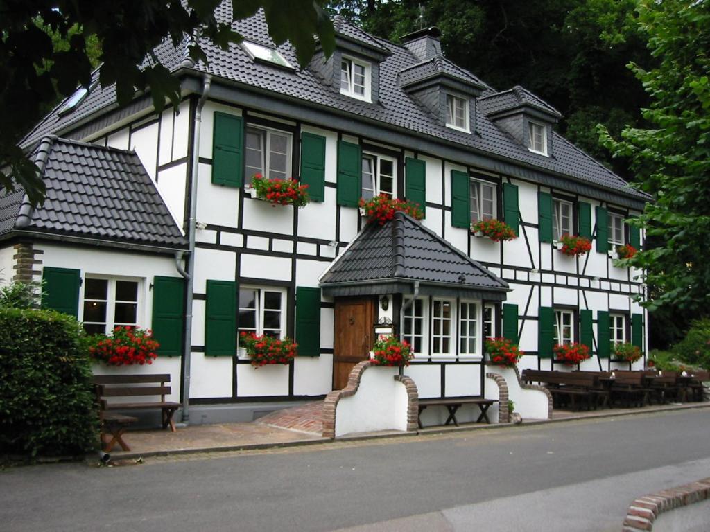 Booking Com Hotel Wisskirchen
