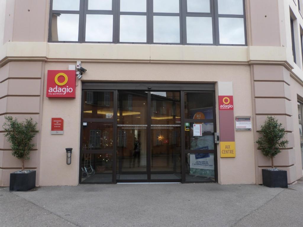 Condo hotel adagio aix en provence centre france for Adagio accor hotel