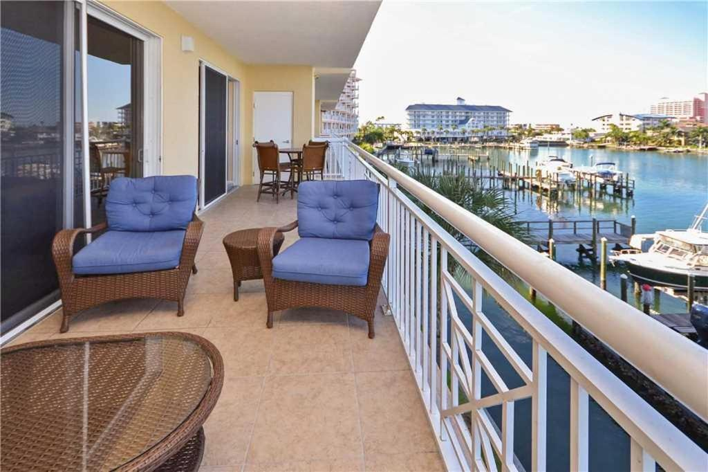 Bay harbor three bedroom condo 303 clearwater beach - One bedroom apartments clearwater fl ...