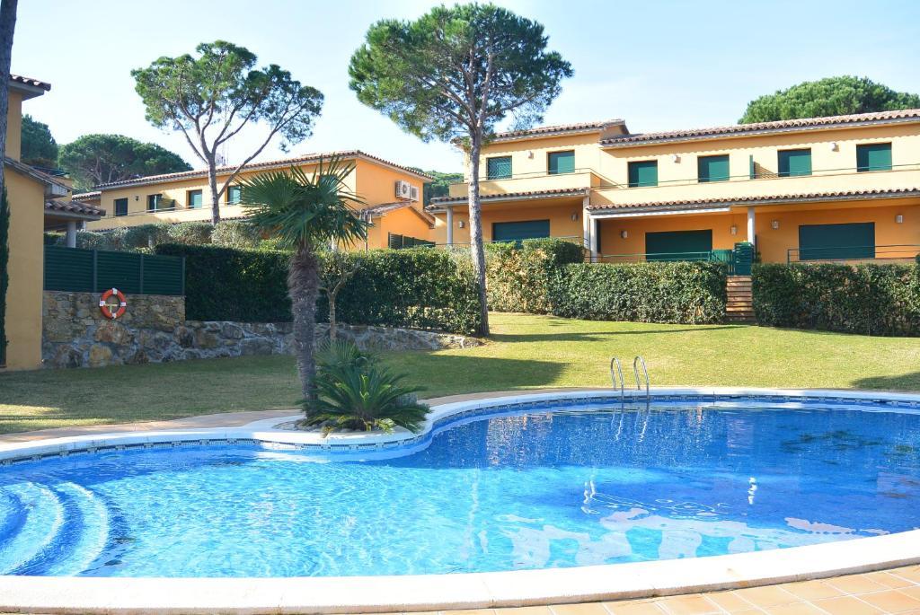 Casa de vacaciones casa gavarres espa a pals - Casas vacaciones cataluna ...