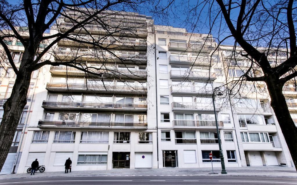<div data-et-view=NAFQCDCcdXDPdFO:1</div Renaissance Park Apartments