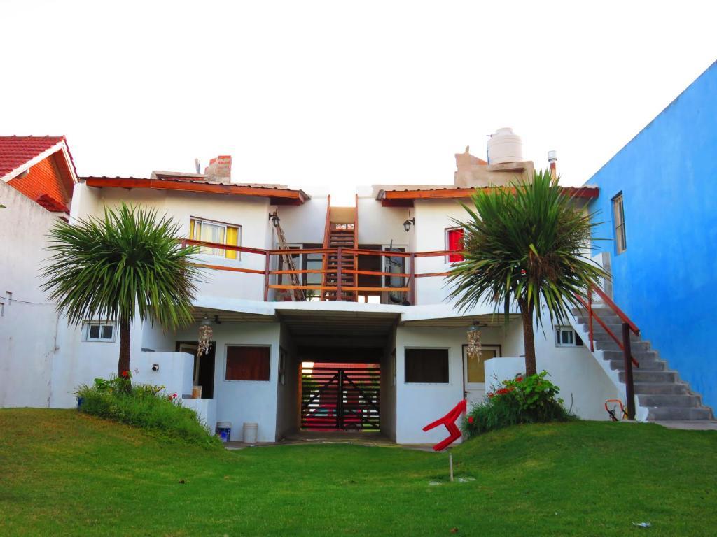 Apartamentos piol n piol n santa clara del mar argentina for Cables pc galeria jardin