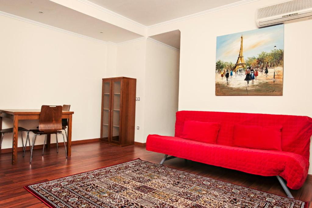 Apartment paris lloret de mar spain for All paris apartments