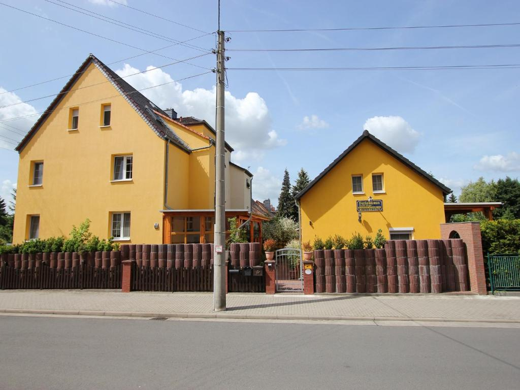ferienwohnung ferienwohnung franz deutschland dessau. Black Bedroom Furniture Sets. Home Design Ideas