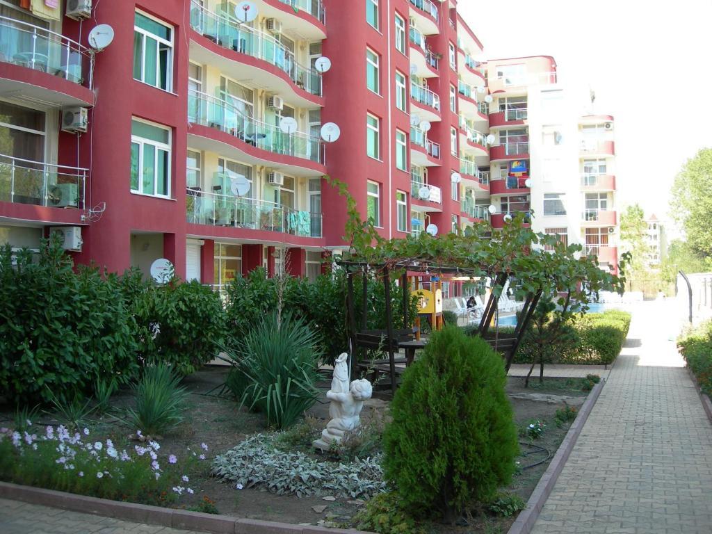 Departamento studio with balcony bulgaria sunny beach for Balcony booking