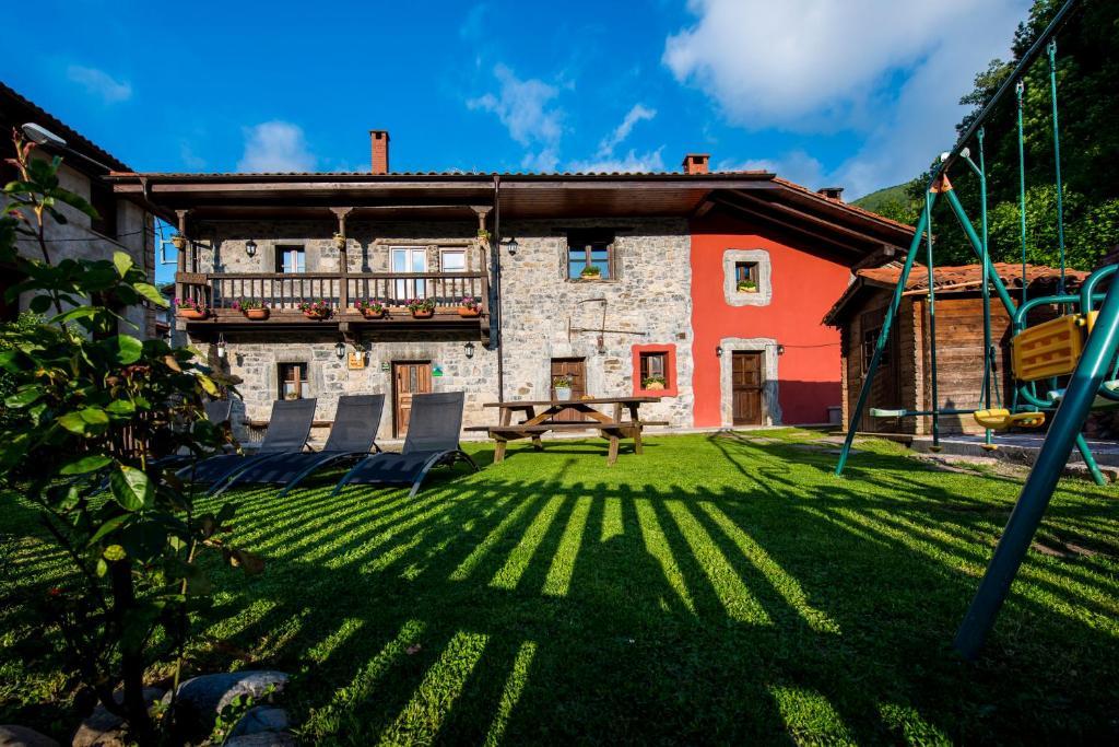Vacation home casas el encanto del valleval soto spain - Casas pequenas con encanto ...