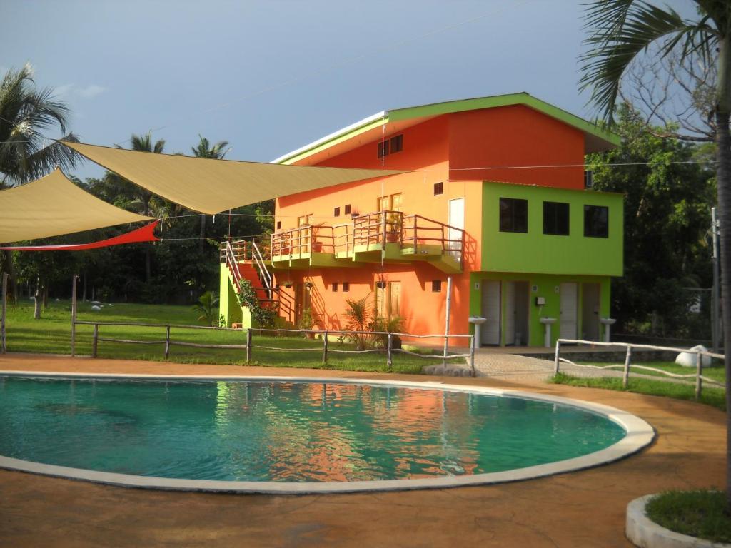 Lo Nuestro Resort