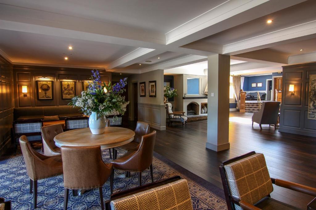 Devon Inn Hotel