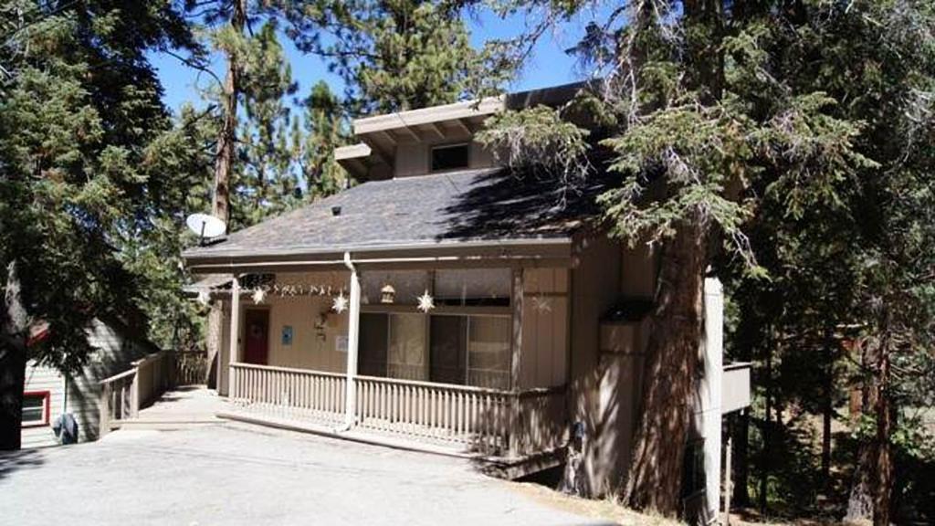 casa de vacaciones a nut house by big bear cool cabins ee uu big bear lake. Black Bedroom Furniture Sets. Home Design Ideas