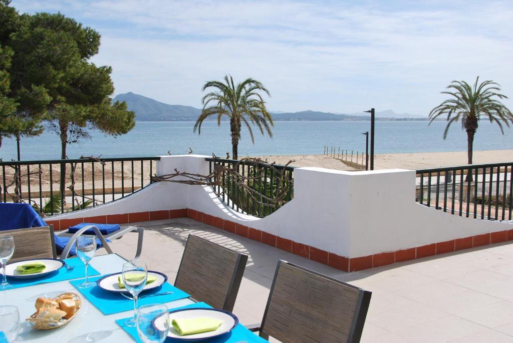Casa de vacaciones casa frente al mar espa a puerto for Casa moderna frente al mar