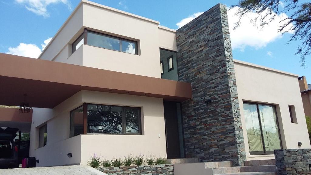Casa de vacaciones casa en san antonio de arredondo for Arredando casa