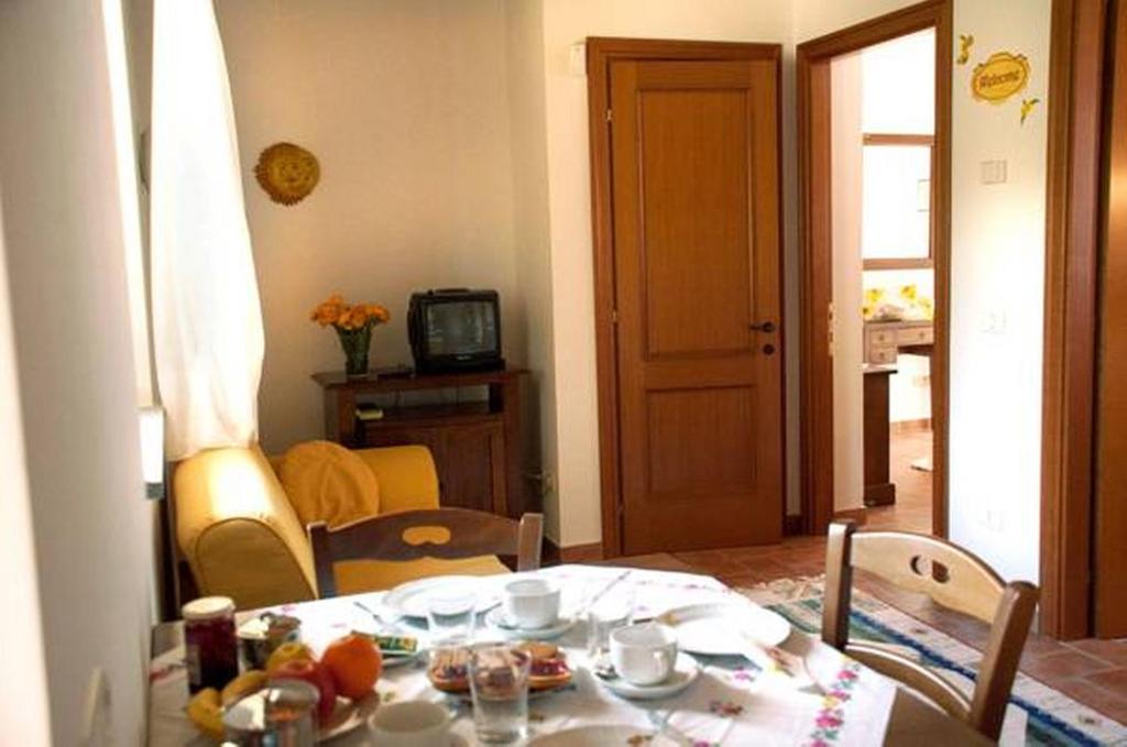 Casa de campo Il Poggio Delle Ginestre (Italia Torgiano ...