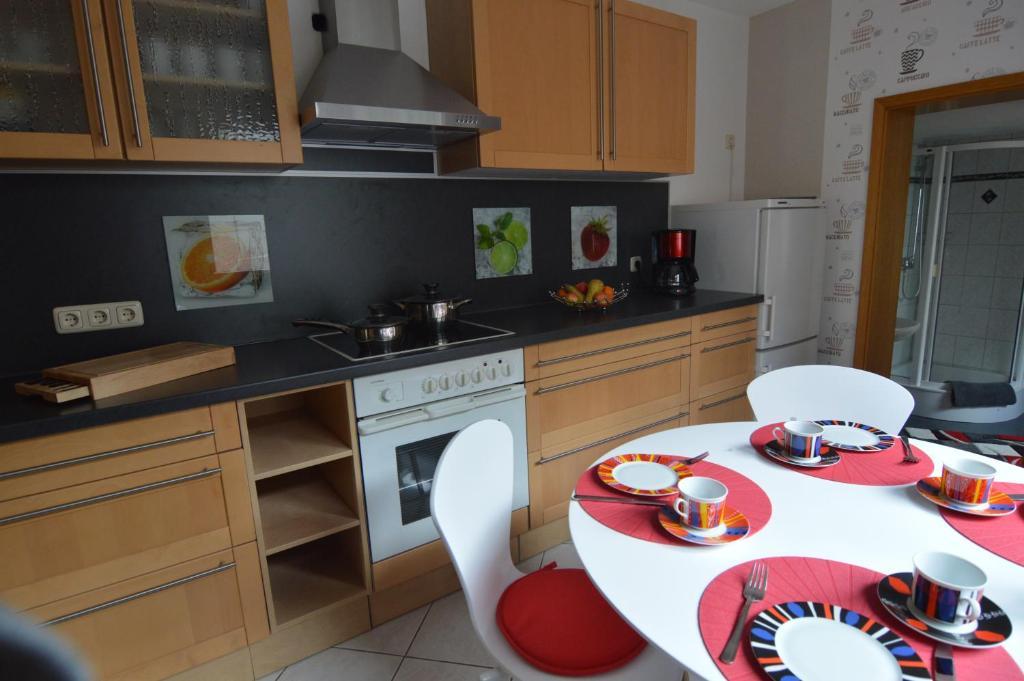 ferienwohnung g stehaus f hrmann deutschland vehra. Black Bedroom Furniture Sets. Home Design Ideas