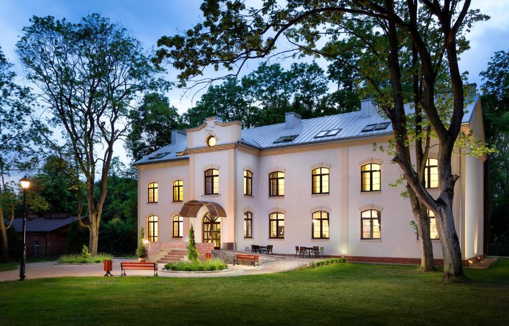 Modlin Palace