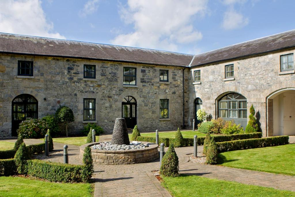 <div data-et-view=NAFQCDCcdXDPdFO:1</div Moyvalley Hotel Self Catering Cottages
