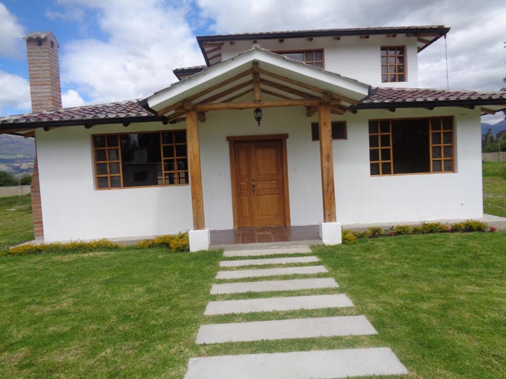 Casa de vacaciones acogedora casa vacacional ecuador for Booking casas