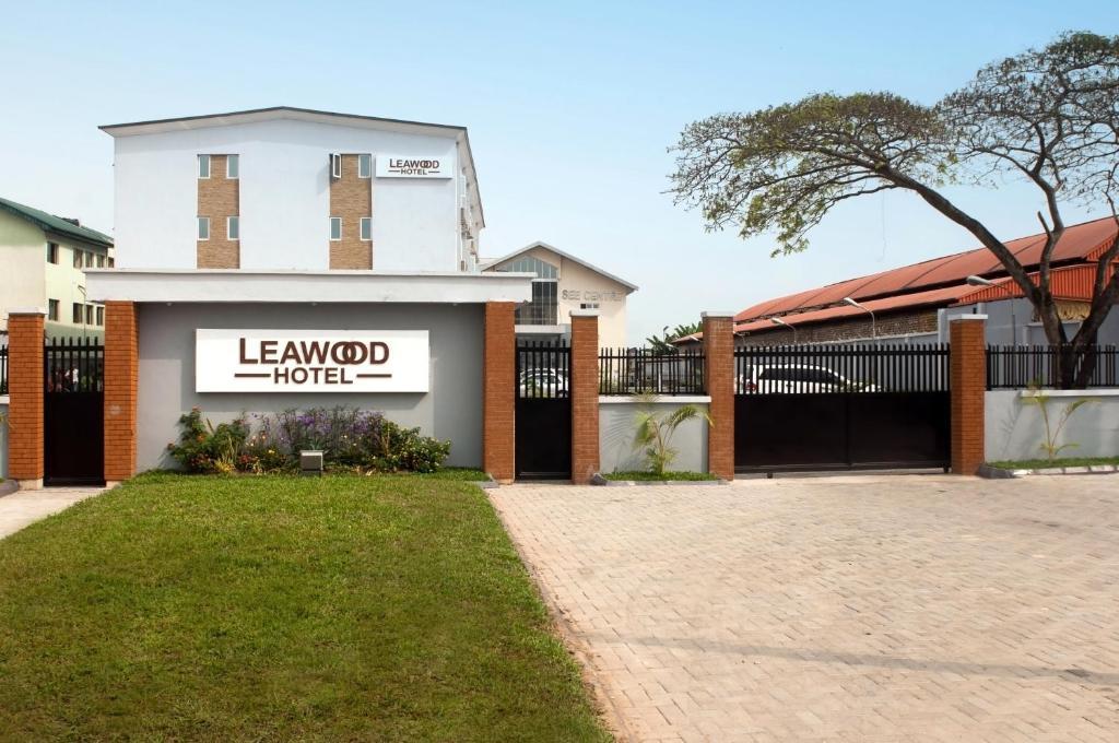 Leawood Hotel