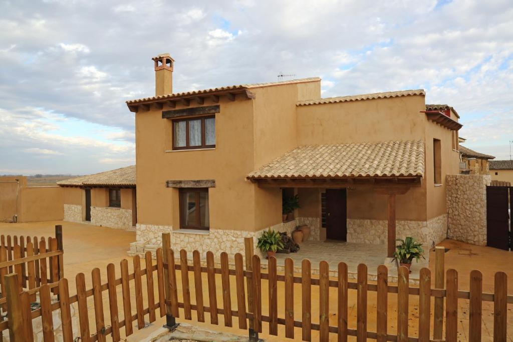 בית נופש La Casa del Corro (ספרד Villanueva de San Mancio ...