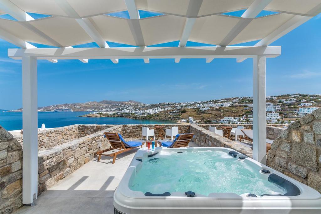 Cape Mykonos Hotel In Mykonos Town
