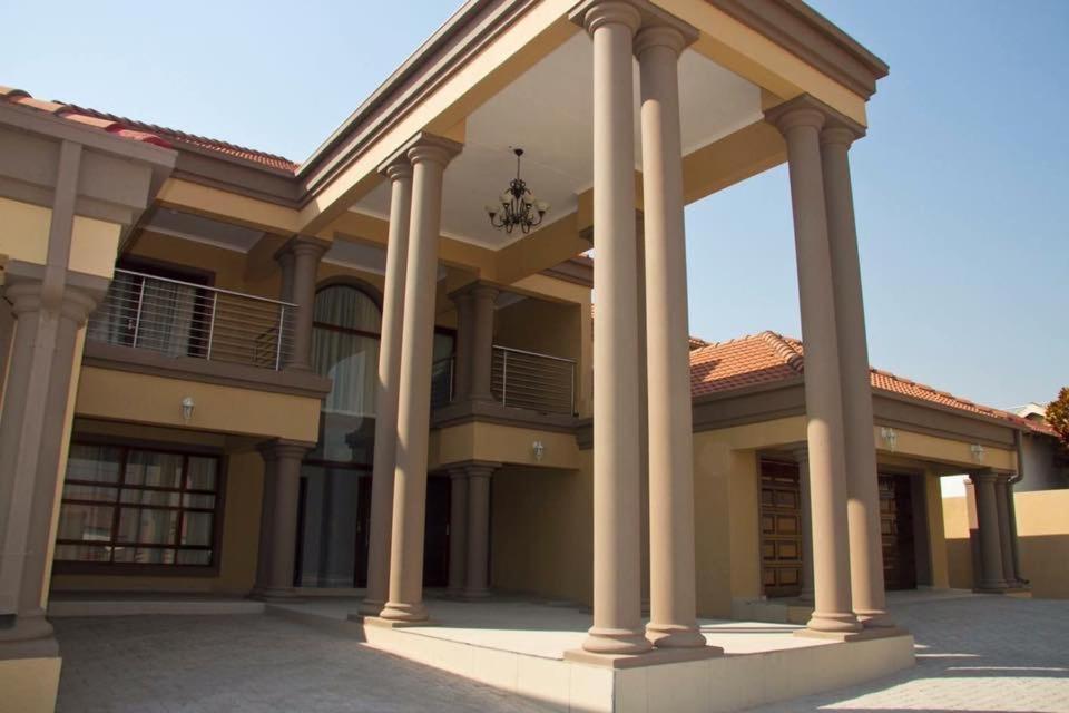 Dakarai Guest House