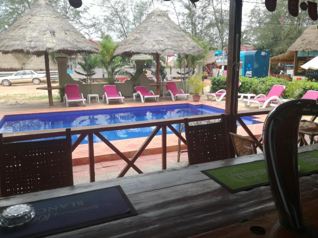 Otres Lodge Camboya Sihanoukville Booking Com # Penguin Lodge Muebles