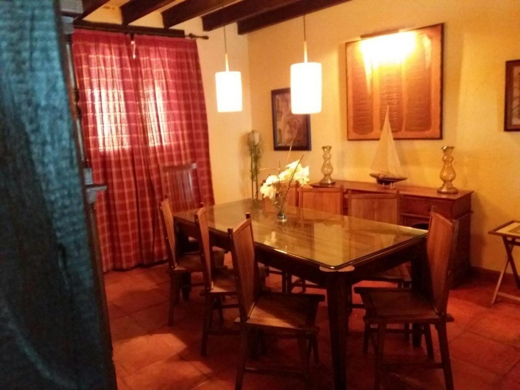 Casa Rural Carmenes (España Ribaseca) - Booking.com