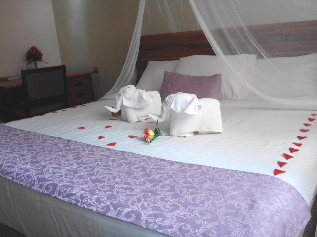 Savannah Paradise Hotel