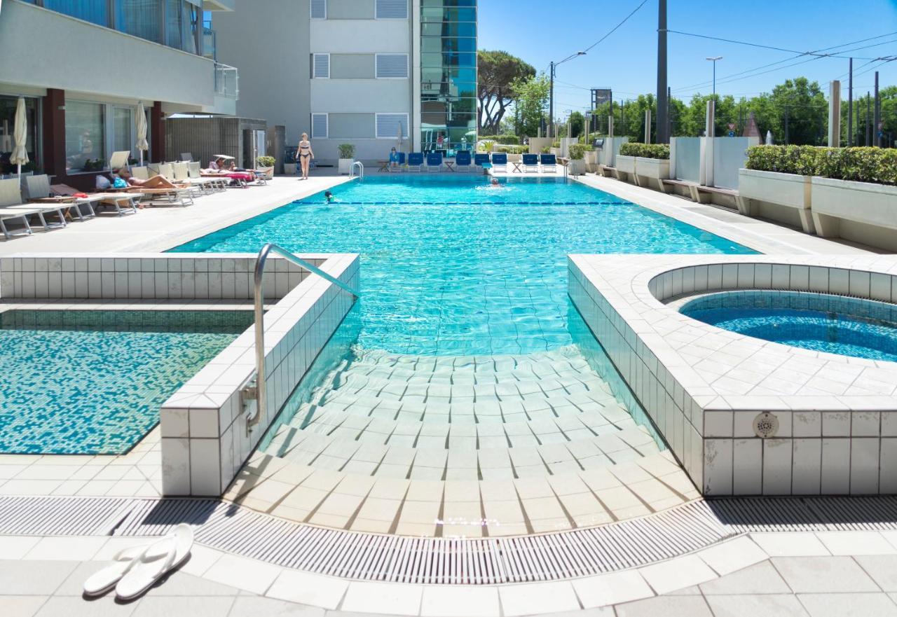 Hotel Ascot (Italia Rímini) - Booking.com