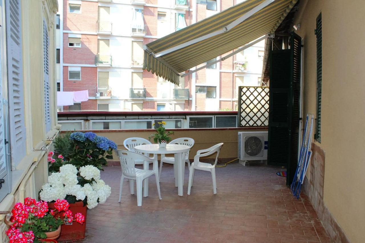 Casa De Vacaciones Terrazza Cinque Terre Italia La Spezia  # Muebles Dico Comedor Dove