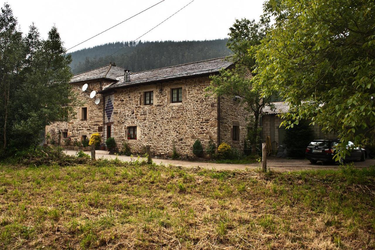 Casa Rural Madreselva (España Navelgas) - Booking.com