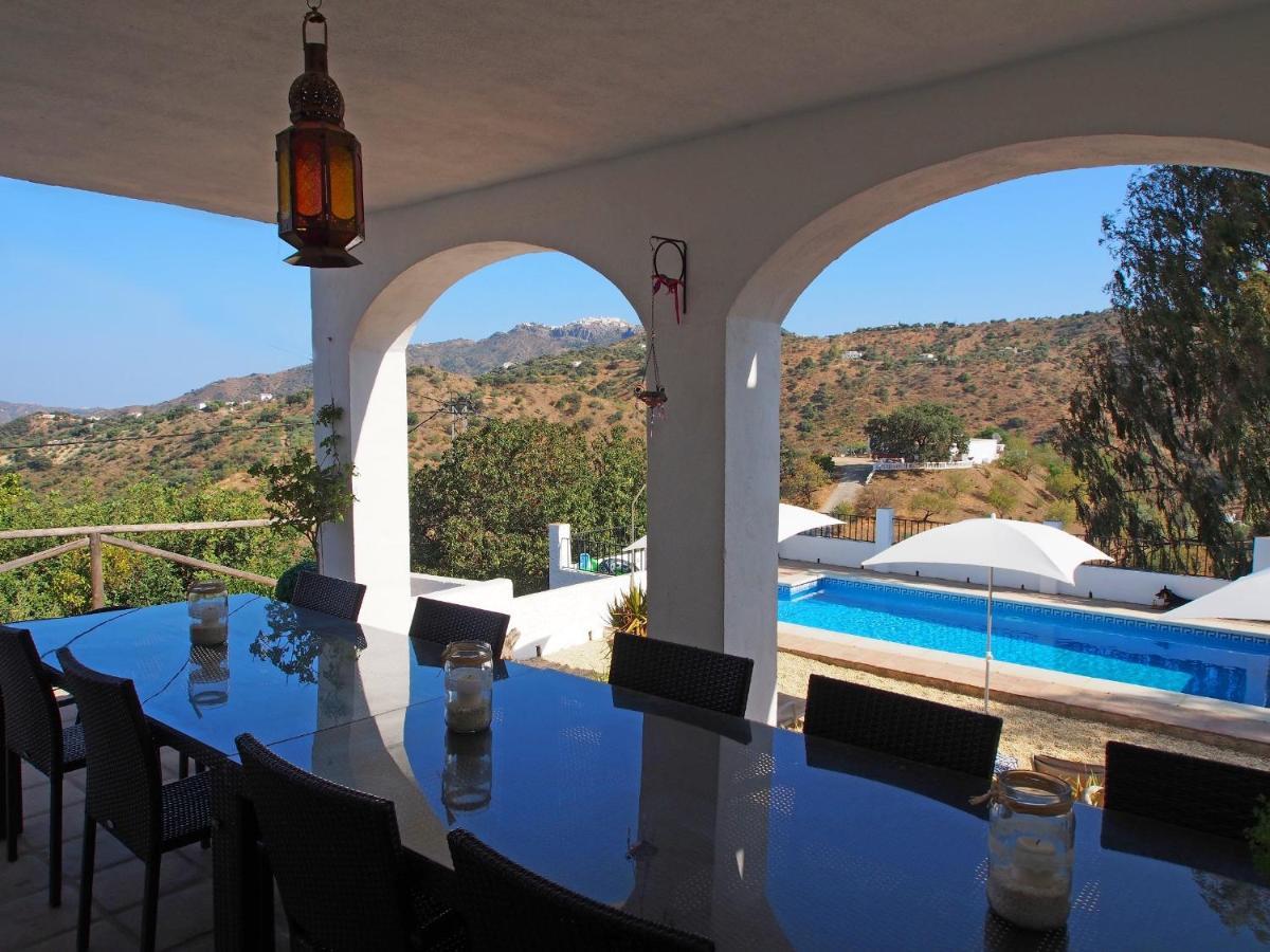 Pensión Casa Colina (España Comares) - Booking.com