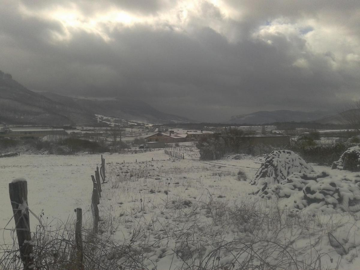 Departamento Apt Rural Arluzepe (España Echarri-Aranaz ...