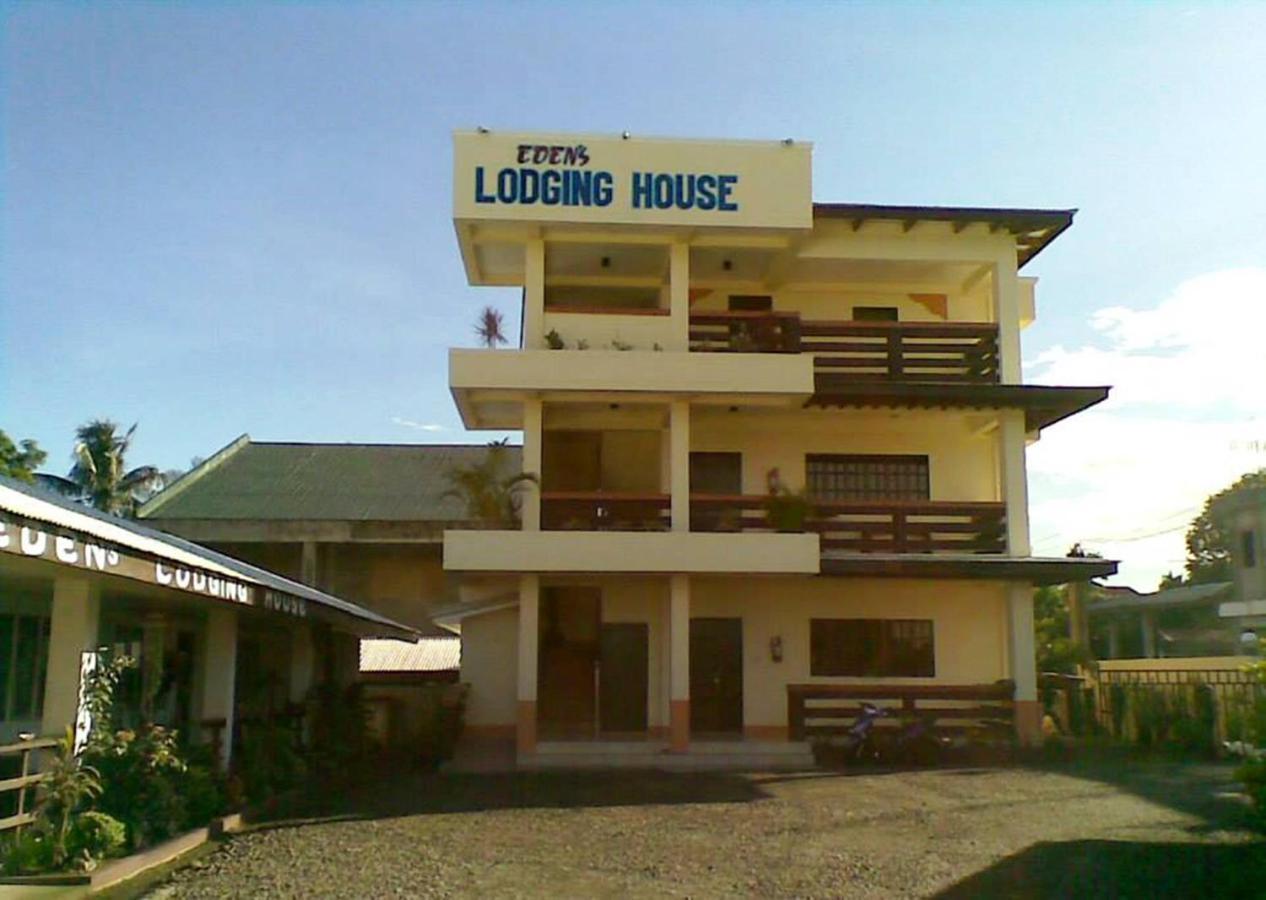 Pousada campestre Edens Lodging House (Filipinas Santa Ana ...