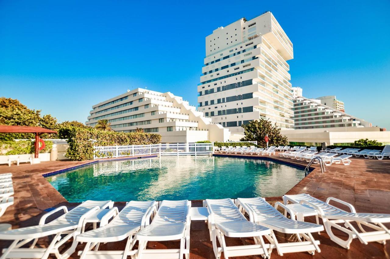Resultado de imagem para park royal beach resort cancun