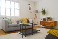 Fantastic 2-Bed Duplex Flat with a Magical Garden