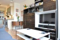 Fantastic Bright Modern 2-Bed Apt in Best Location