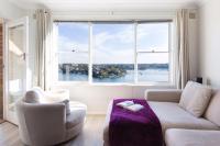 ★ Serene & Modern Waterfront Greenwich Apartment ★