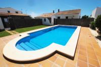 Casas con piscina en Roches