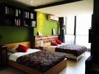 9 Garden Apartment