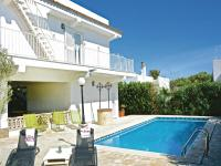 Three-Bedroom Holiday Home in Cala Santanyi