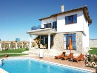 Four-Bedroom Holiday Home in Kavarna