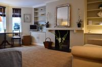 Stylish 2Bed Apartment in Leafy South West London