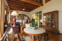 Artisan's Antique House - Silom